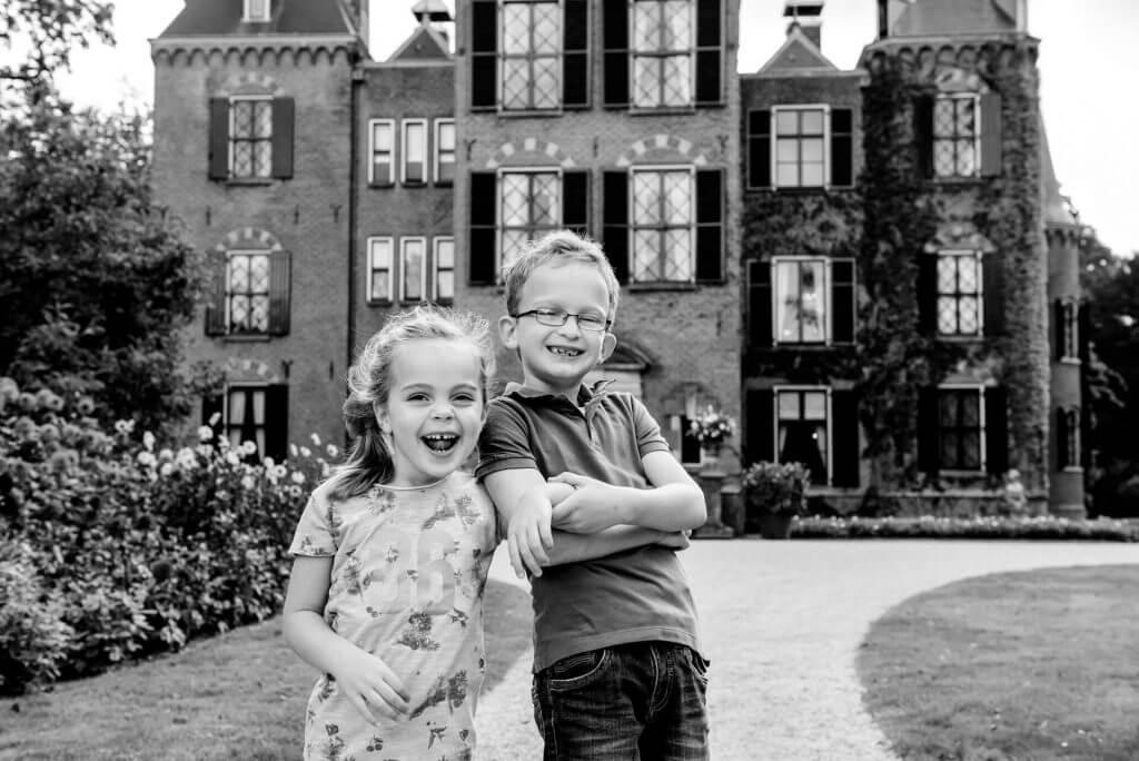Kinderfotografie Lisse Zuid-Holland Landgoed Keukenhof, fotoshoot kinderen door kinderfotograaf Grietje Mesman uit Haarlem