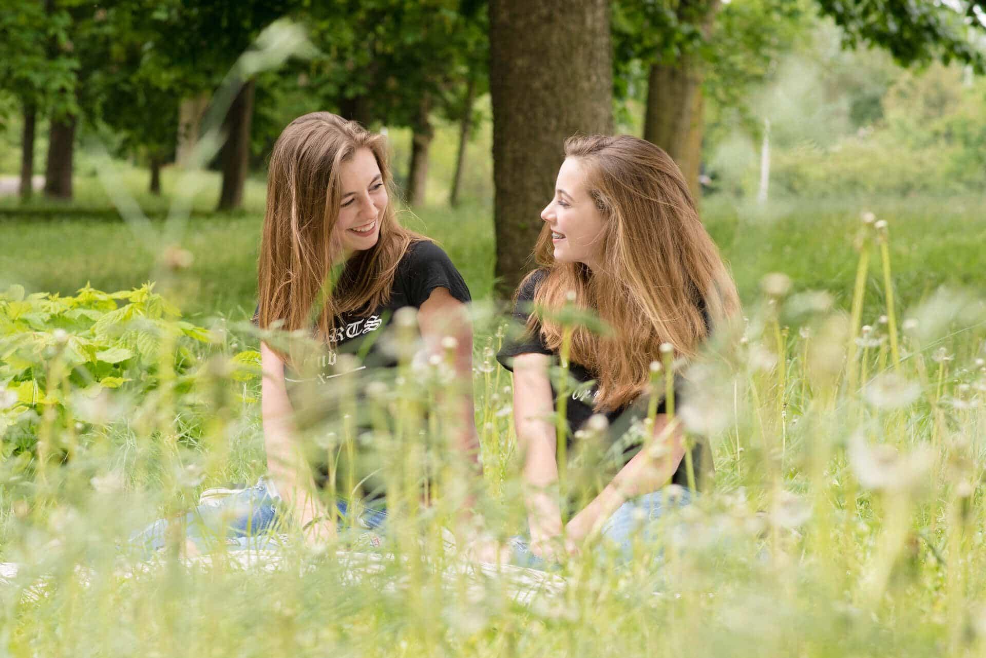 Vriendinnen fotoshoot Zutphen door fotograaf Grietje Mesman
