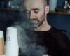 Bedrijfsfotografie man koffiezaak Koffie met een J Deventer