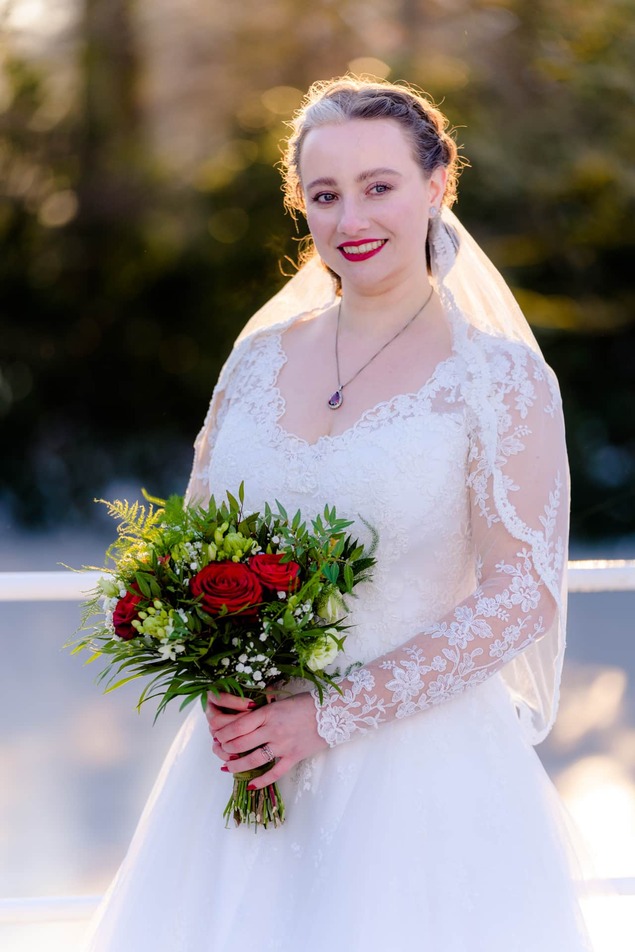 Bruidsfotografie Kasteel Ter Horst Loenen, trouwfotografie door trouwfotograaf Grietje Mesman, portret bruid